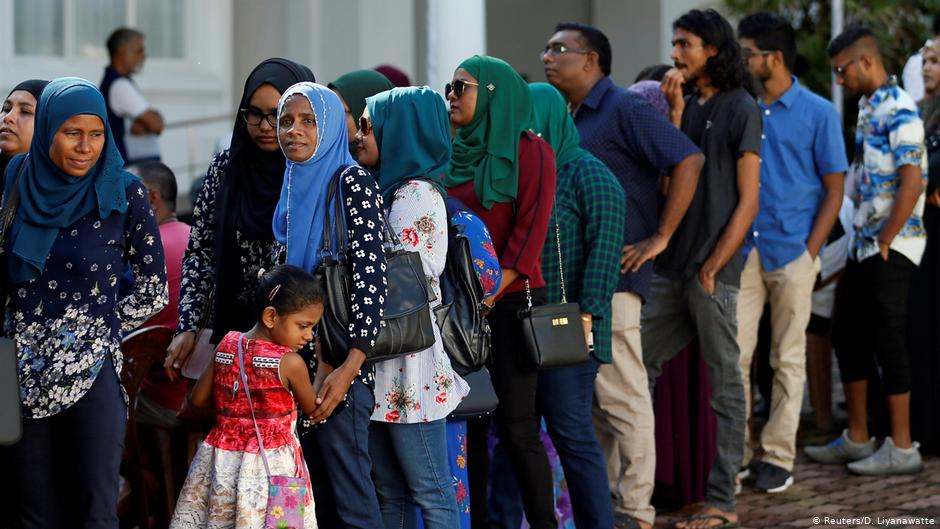 Cuántos habitantes tiene Maldivas